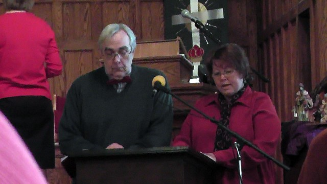 "Roger and Debbie Chinnici narrate the ""Christmas Seekers"" cantata."