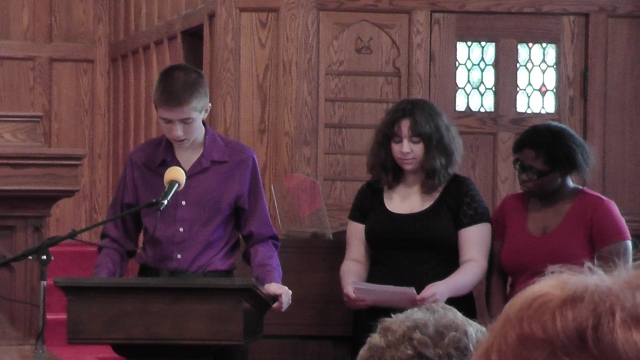 Members of the Youth group share the 18:20 plan and extend the invitation to join in fellowship before Sunday School.
